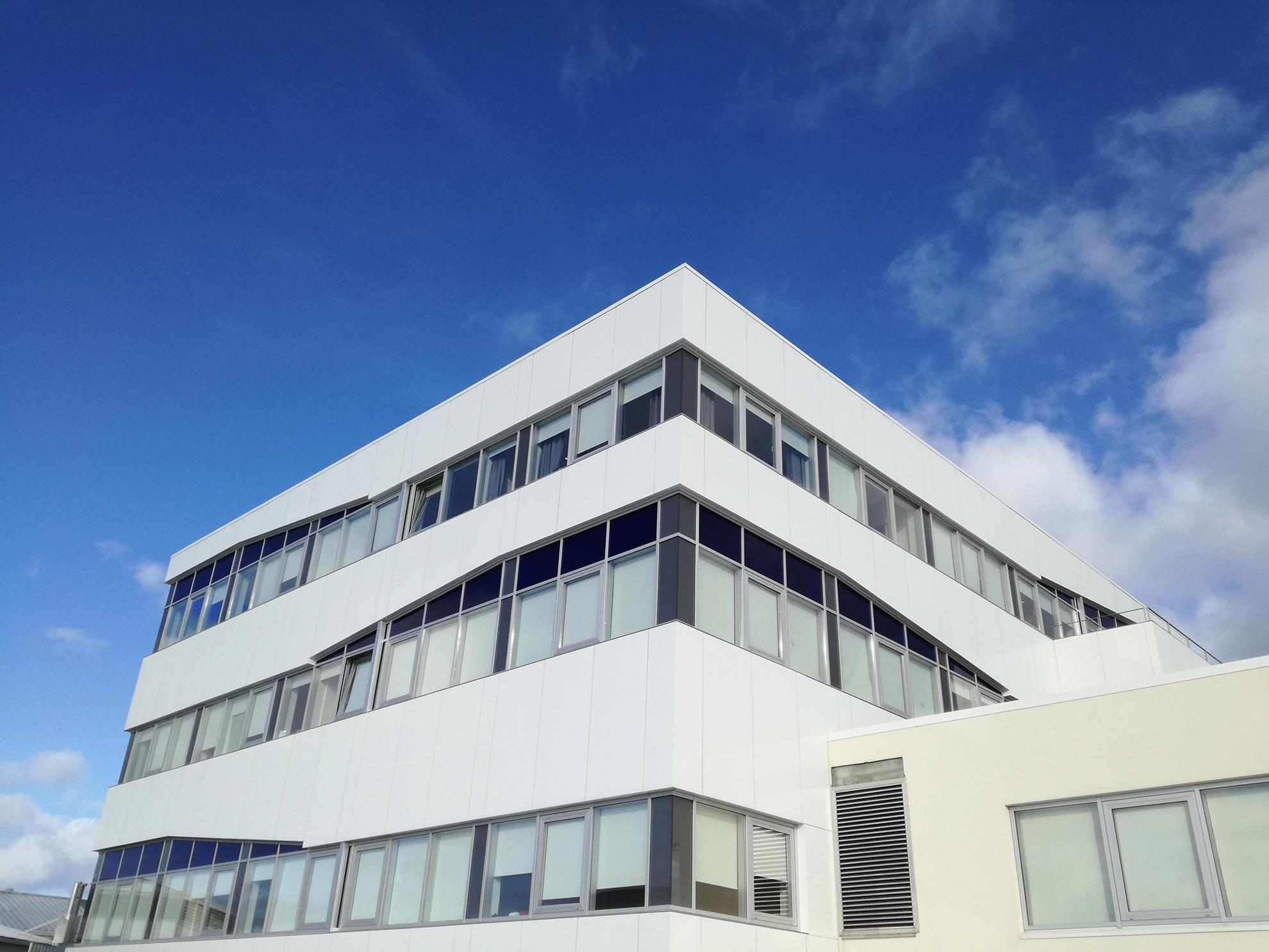 Aeropuerto-de-Reykjavik.-Islandia.-larson-fr-Blanco-pur-01-2_1591719918.jpg