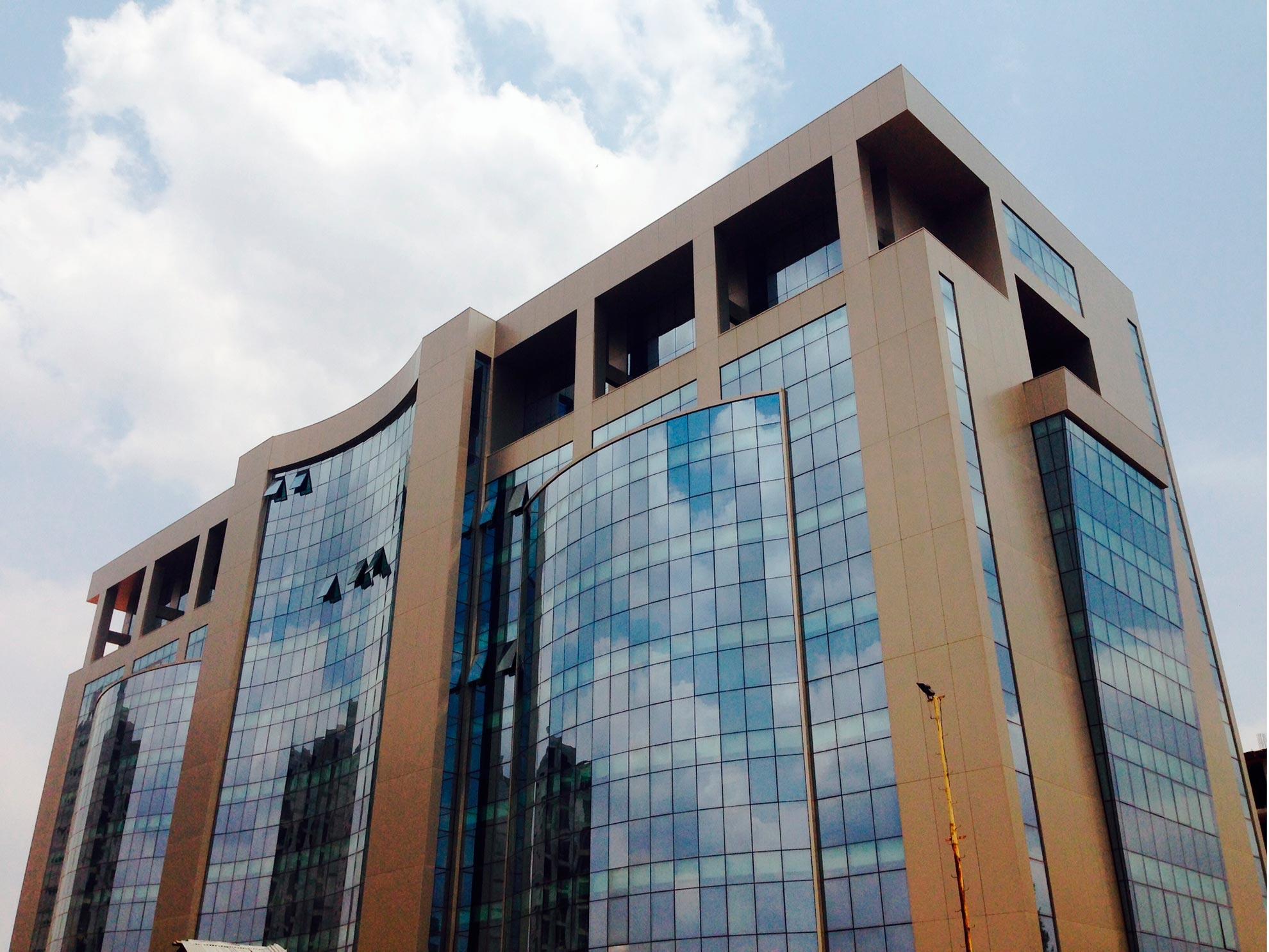 Edificio-Ponglomerape.-Abuja-Nigeria.-larson-PE_1591093036.jpg