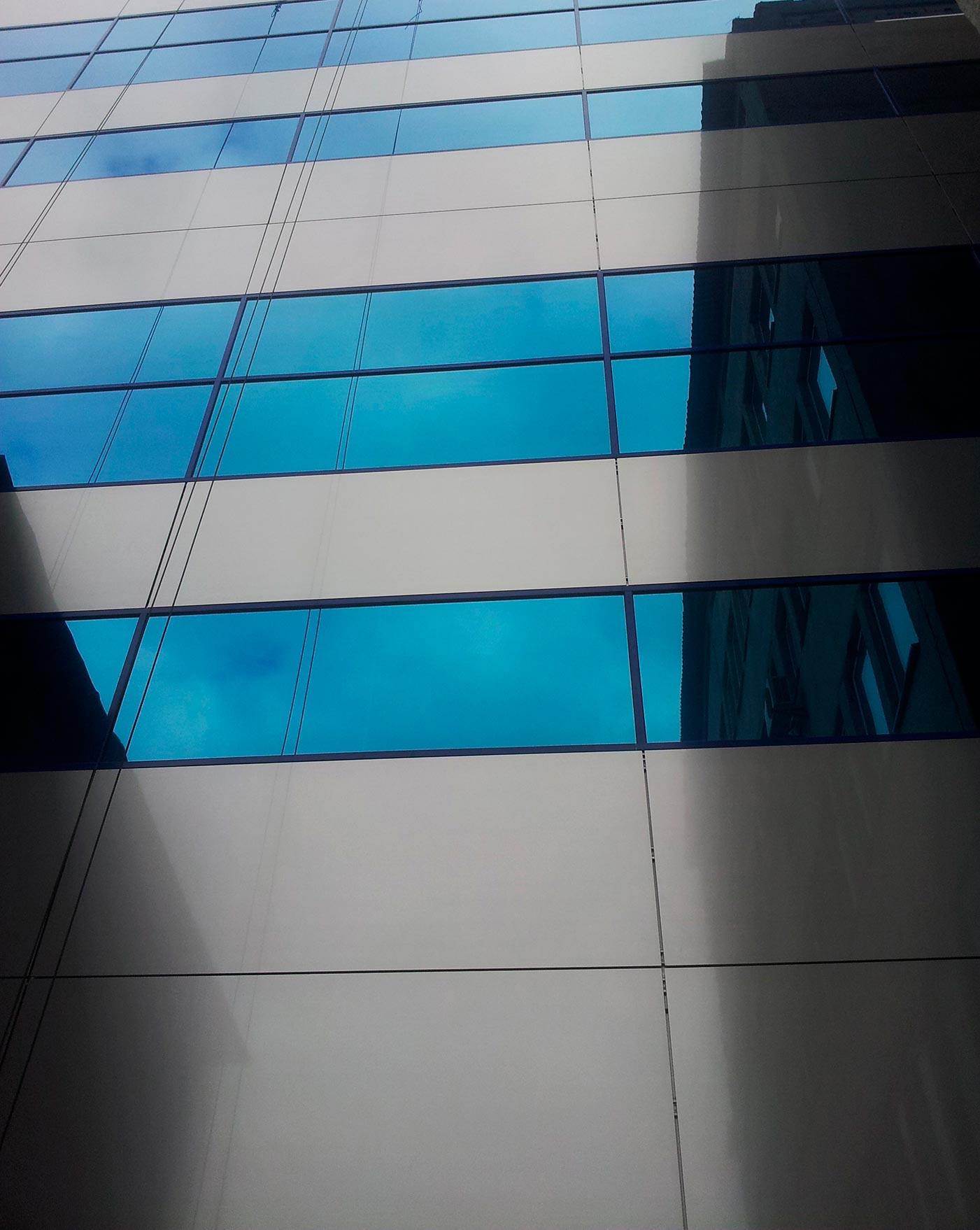 Edificio-planta-farmaceutica-FARMA-START.-Kiev-Ucrania.-larcore-20_1591000160.jpg