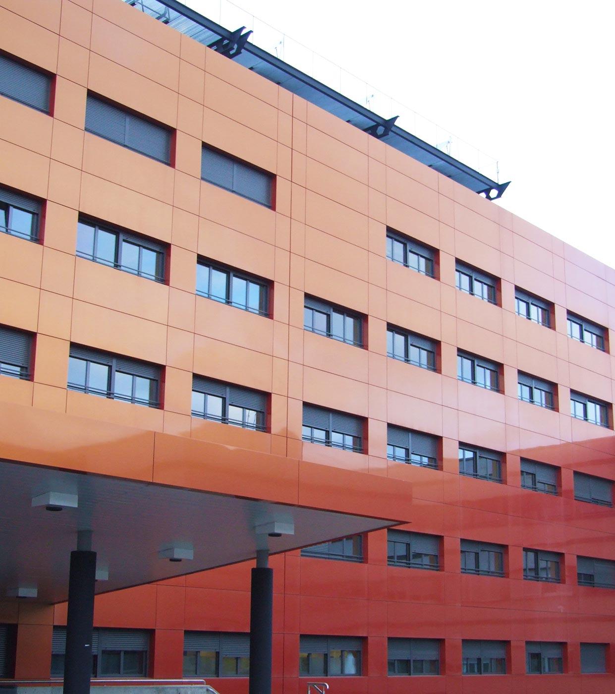 Hospital-de-Leon.-Espaa.-larson-1_1592392134.jpg
