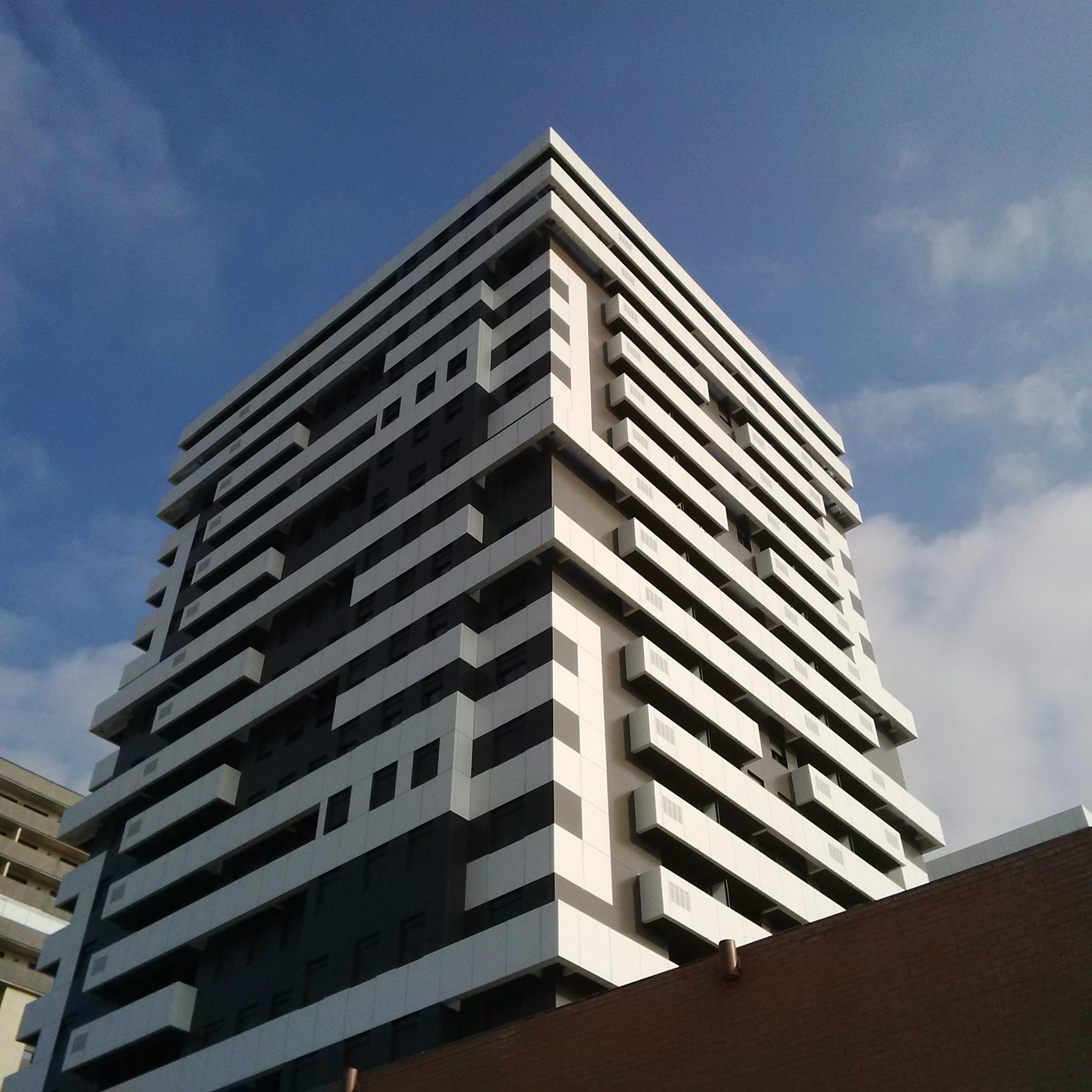 Torres-Catalua.-Tarragona-Espaa.-larson-blanco-puro.-Sistema-Remachado-1_1585902551.jpg