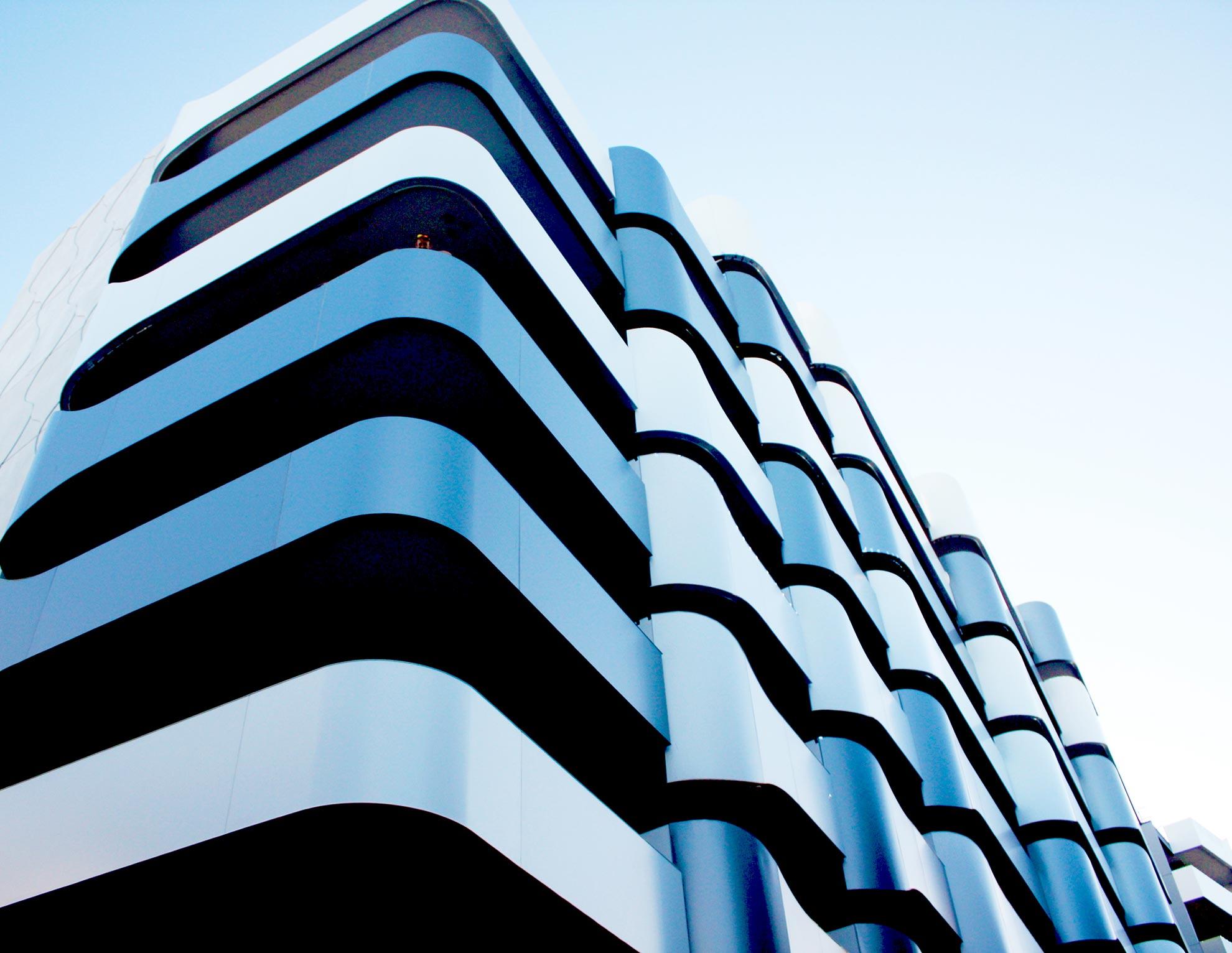 Apartments-Tip-Top-Building.-Australia.-Larcore-A2-White-and-Smoke-Metallic_01_1593602847.jpg