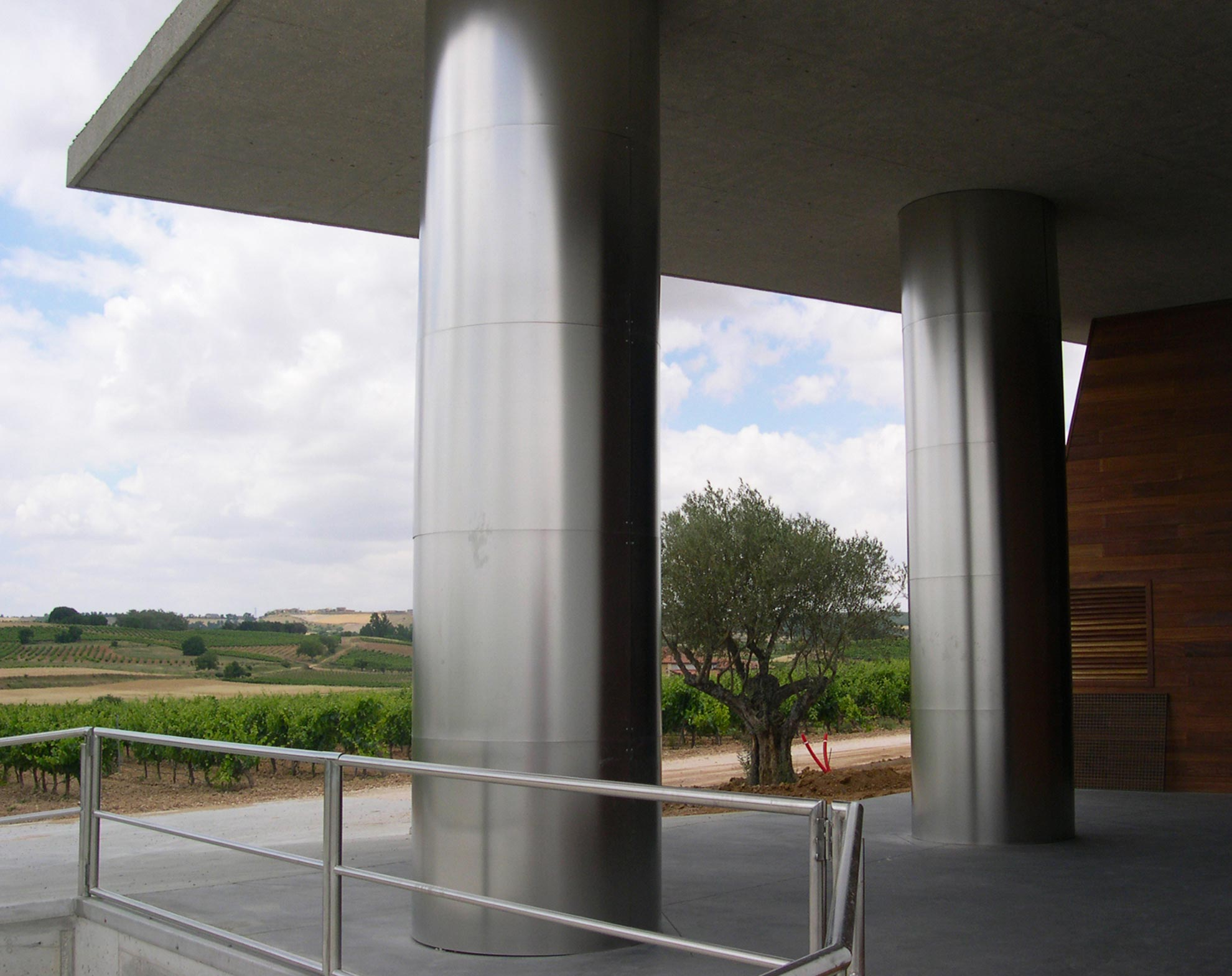 Bodega-Pago-Capellanes.-Pedros-de-Duero.-Burgos.-larson-1_1592311781.jpg