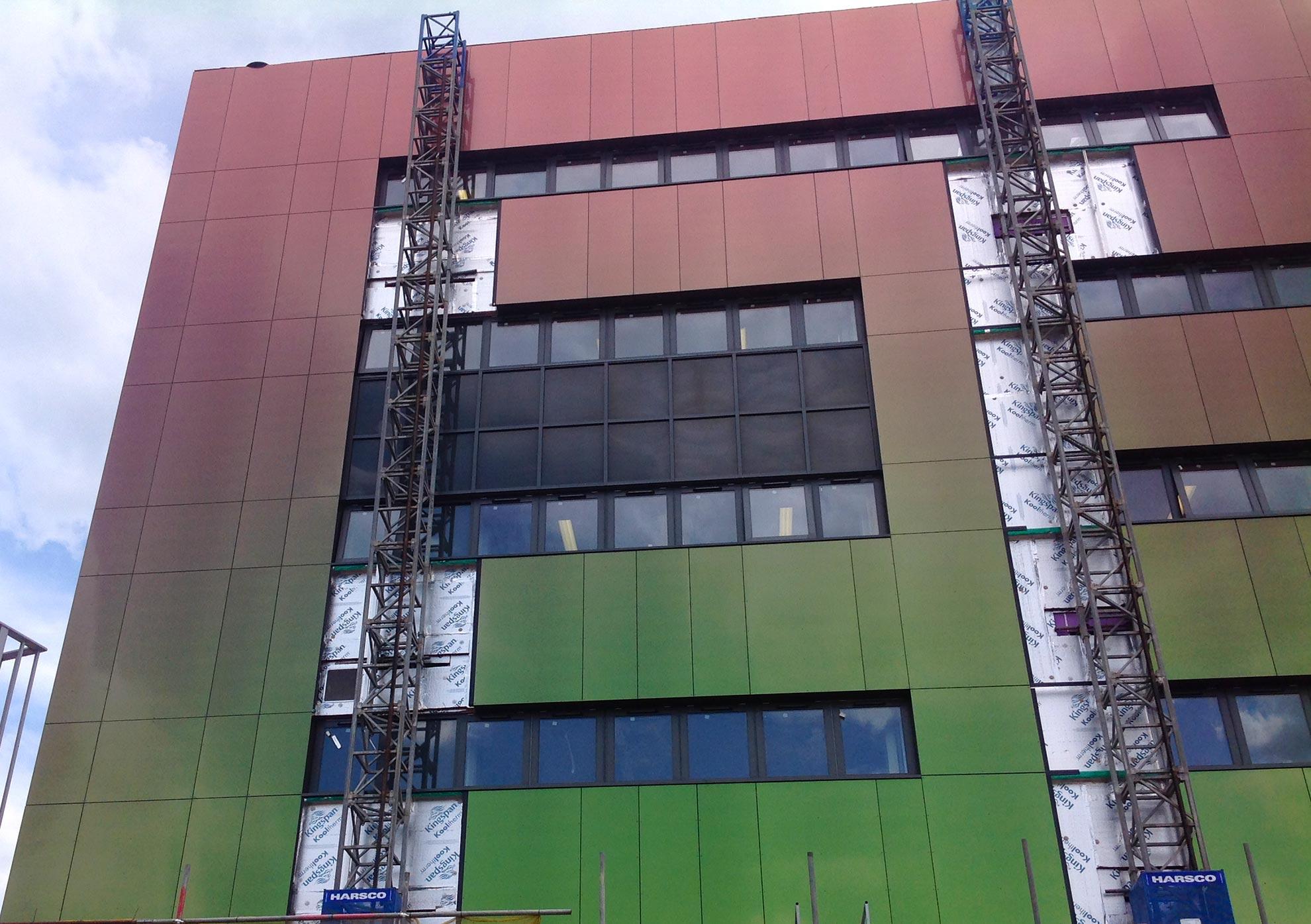 Colegio-Lowestoft.-Suffolk-UK.-larson-PE-PVdF-HOLO-RED-GREEN-1810m_01-1_1592389282.jpg