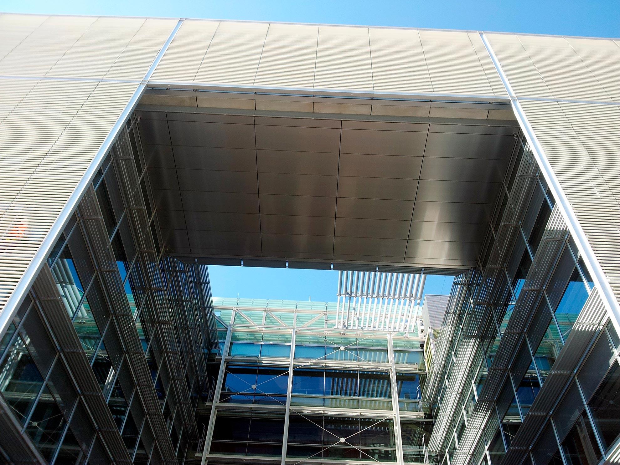 Edificio-Banco-Popular.-Madrid-Espaa.-larcore-A2-Anodic-Brushed-01-2_1592409233.jpg