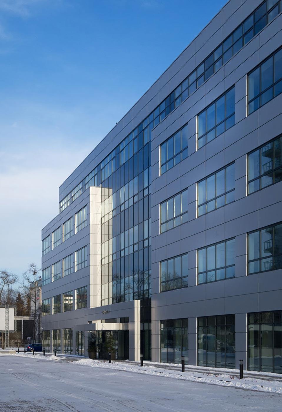 Edificio-IRYS.-Varsovia-Polonia.-larson-silver-metalic-1_1591959346.jpg